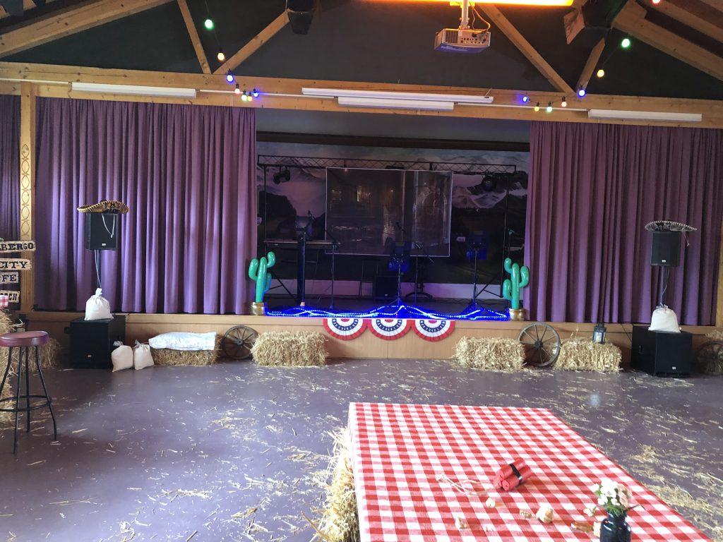 Die Firma Global-IT veranstaltete eine Wild Wild West Part mit Catering vom Hirschwirt