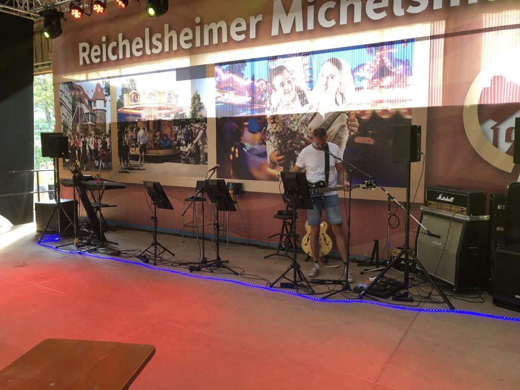 Michelsmarkt in Reichelsheim. Wir hatten sehr viel Spaß mit Tanzfreudigen Publikum.